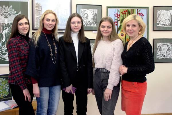 Творча молодь запрошує на виставку